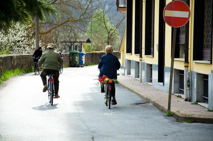 Codice della strada biciclette contromano