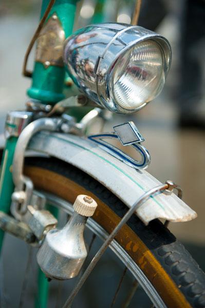 codice della strada e biciclette luci