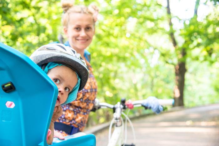 come portare i bambini in bicicletta